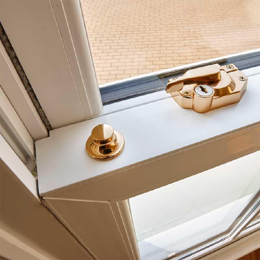 UPVC vertical window locking mechanism